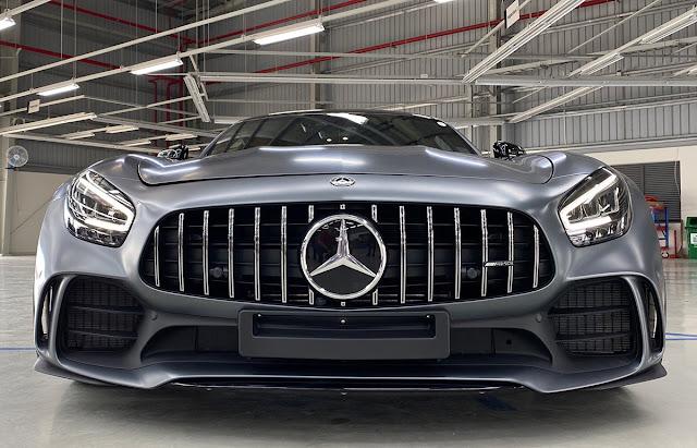 Đánh giá Mercedes AMG GT R 2020