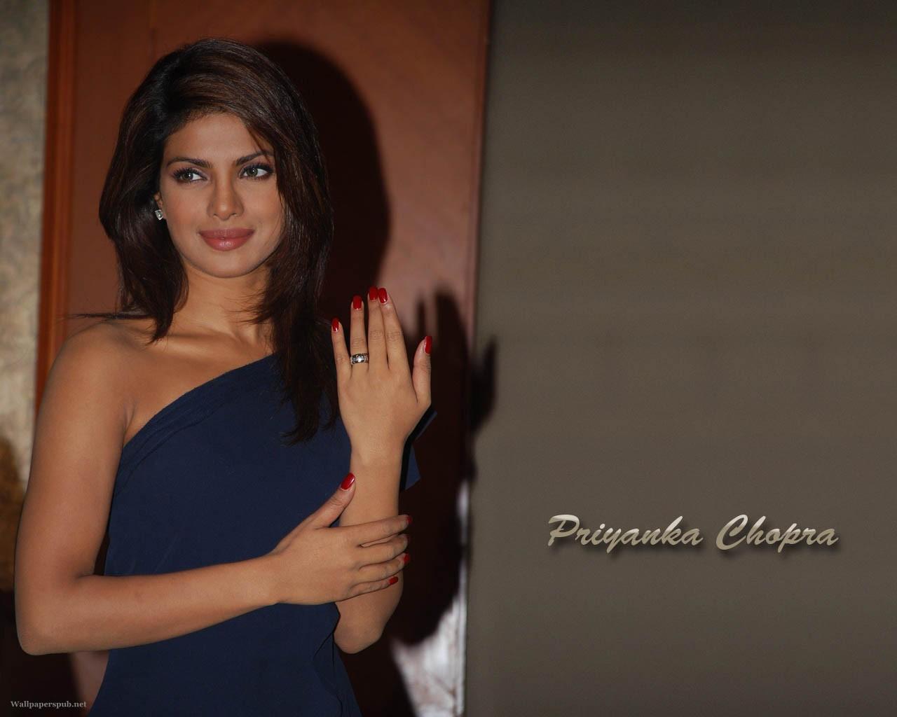 Priyanka Chopra Sexy Short Blue Dress-3358