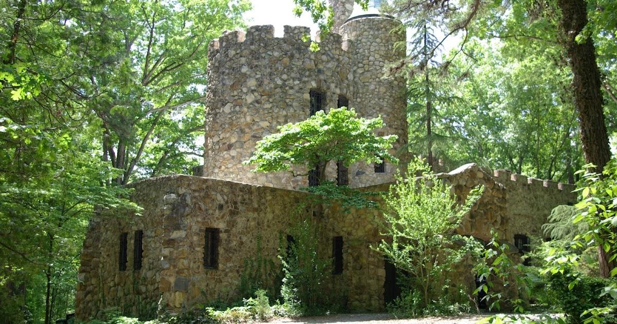 Sweetbay: Gimghoul Castle