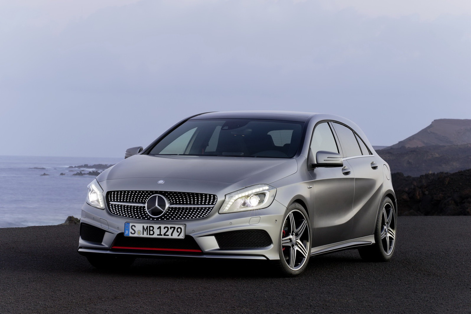 2013 mercedes a class wallpaper. Black Bedroom Furniture Sets. Home Design Ideas