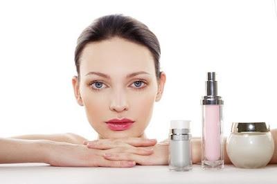 Produk Kosmetik Tertentu yang Membuat Kulit Putih dan Mengkilap Yang Harus di Waspadai