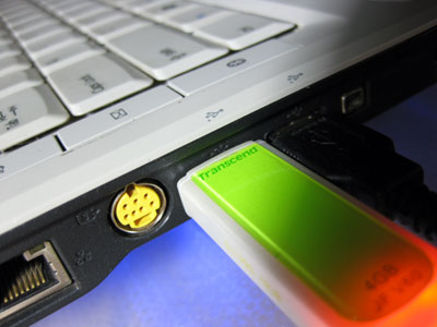How To Install Windows 8 Using A Bootable USB Flash Drive