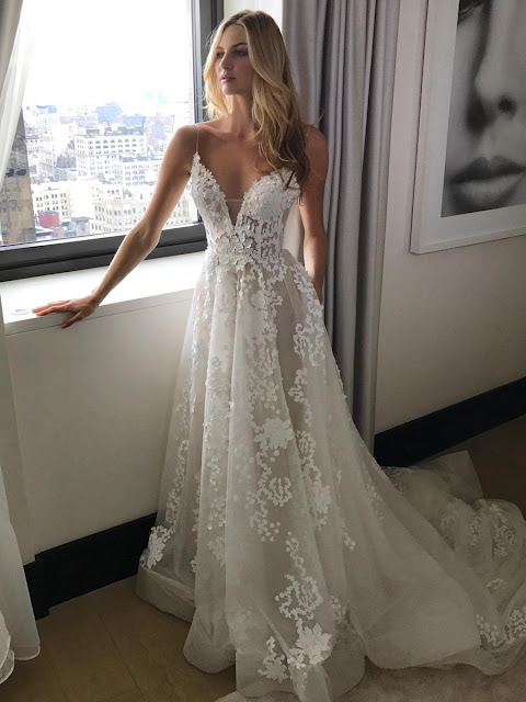 A-line V-neck Tulle Sweep Train with Appliques Lace Wedding Dresses