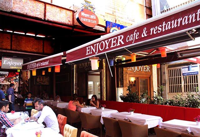 Café e Restaurante Enjoyer em Istambul na Turquia