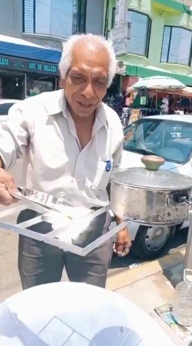 Abuelito mexicano crea una estufa solar reciclada y es el mejor invento del siglo