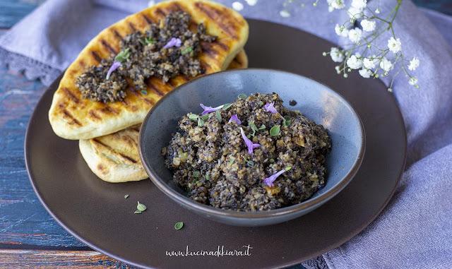 Focacce espresse alla griglia con Tapenade di olive, fichi e miele