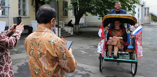 Becak Yogyakarta di Museum Moskow Rusia