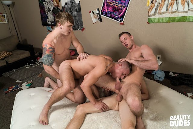 Dick Dorm - Train Fuck