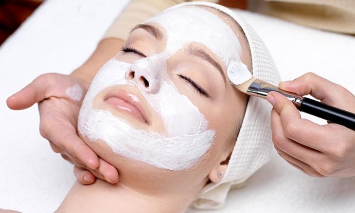 Manfaat serta Cara Membuat Bedak Dingin Tradisional Untuk Kecantikan dan Kesehatan Kulit Wajah