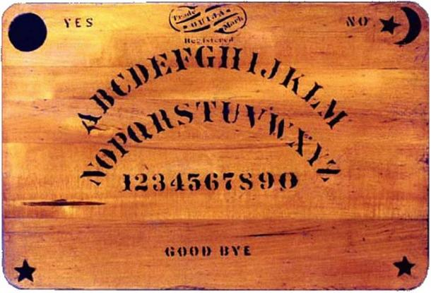 Una tavola Ouija originale creata nel 1894.