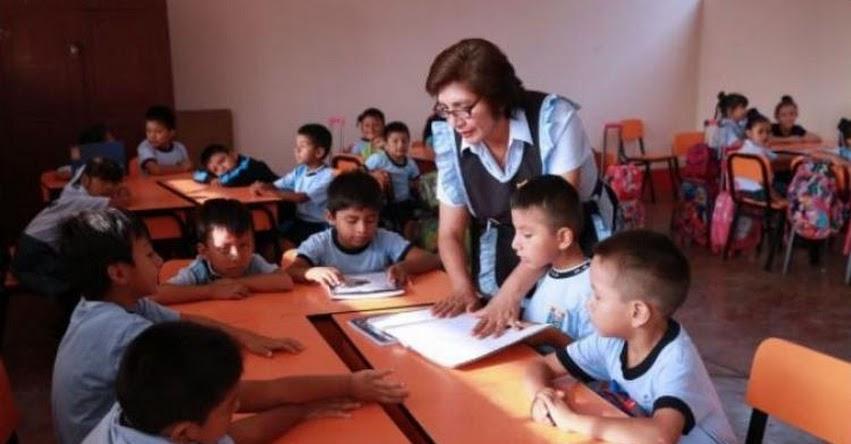 Sueldos bajos de maestros contratados se elevará a partir de agosto, según el Decreto Supremo N° 191-2017-EF
