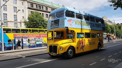 tipico autobus a 2 piani