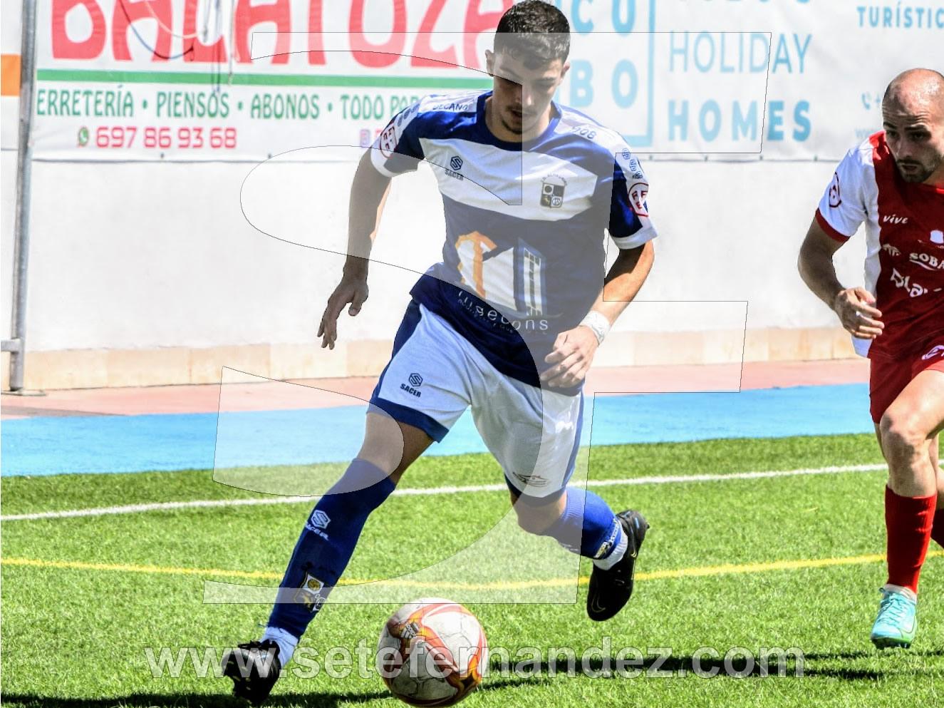 Fran Moreno, autor del gol azulillo en un lance de juego