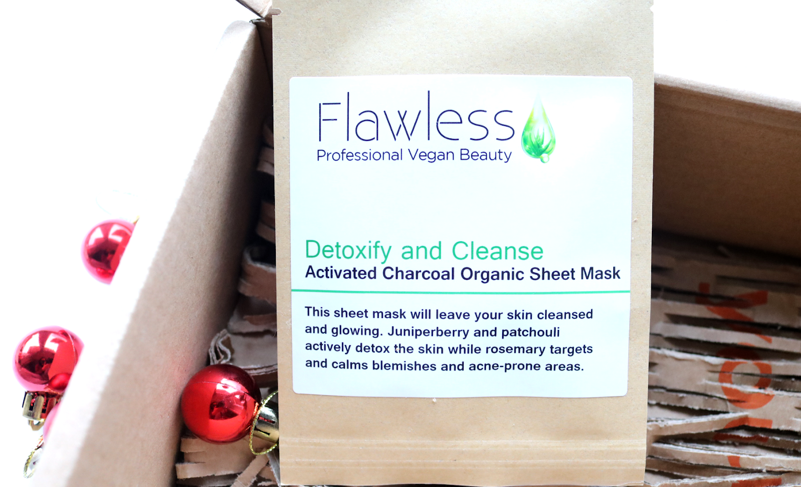 Flawless Detoxify & Cleanse Activated Charcoal Organic Sheet Mask