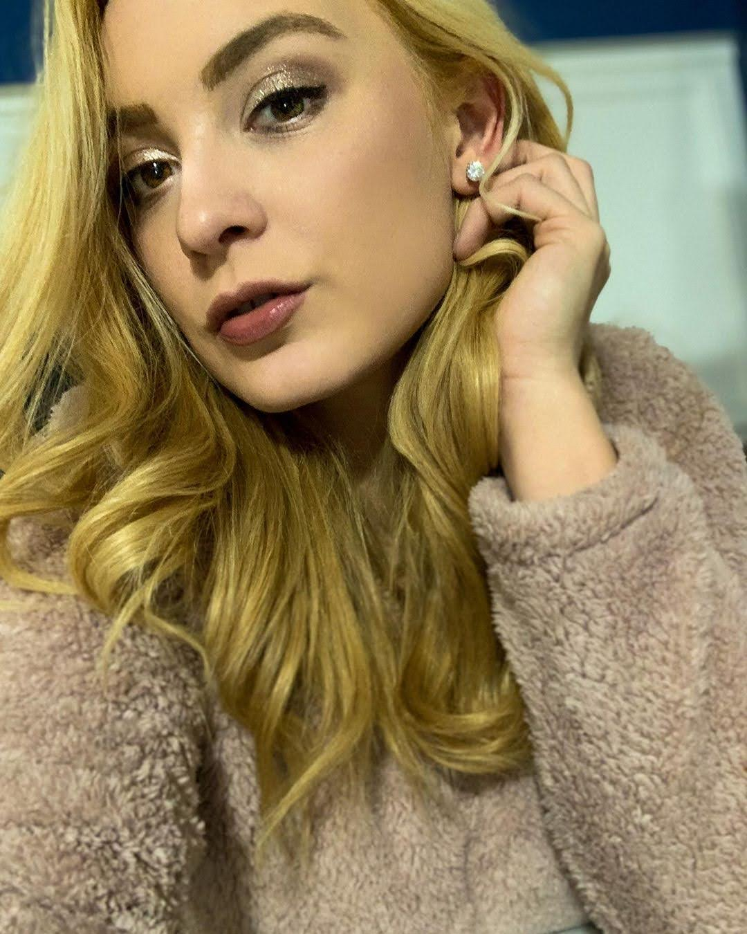 Llenelle Gibson 9