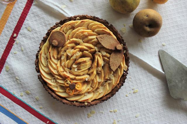 Cuillère et saladier : Tarte aux pommes parfum amande