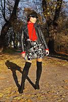 https://www.karyn.pl/2019/11/sukienka-w-kwiaty-i-czerwony-golf.html