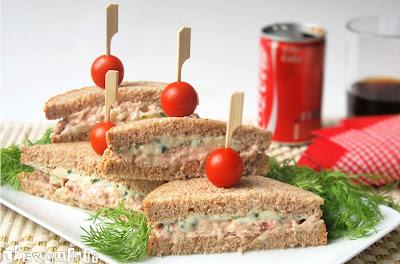 Sandwich de roquefort y atún
