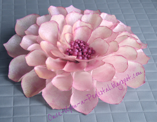 wafer-paper-flower-cake-topper-dragees-sugar-pearls-deborah-stauch