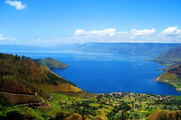 Jokowi Widodo Ingin Danau Toba Jadi Kawasan Wisata Berkelas