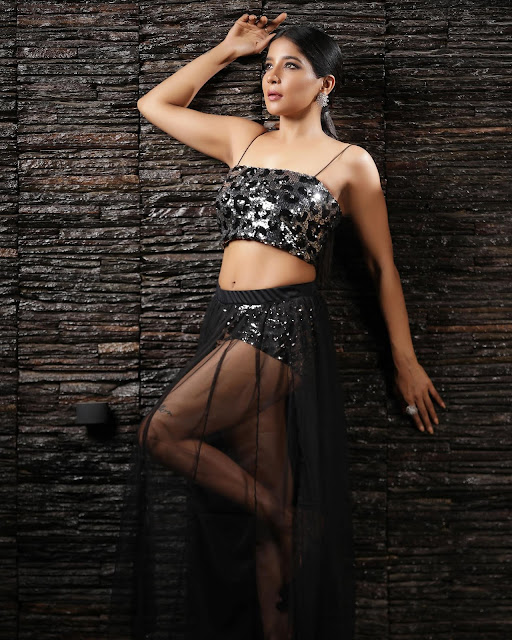 Tamil Actress Sakshi Agarwal Hot HD Photoshoot actressbuzz.com