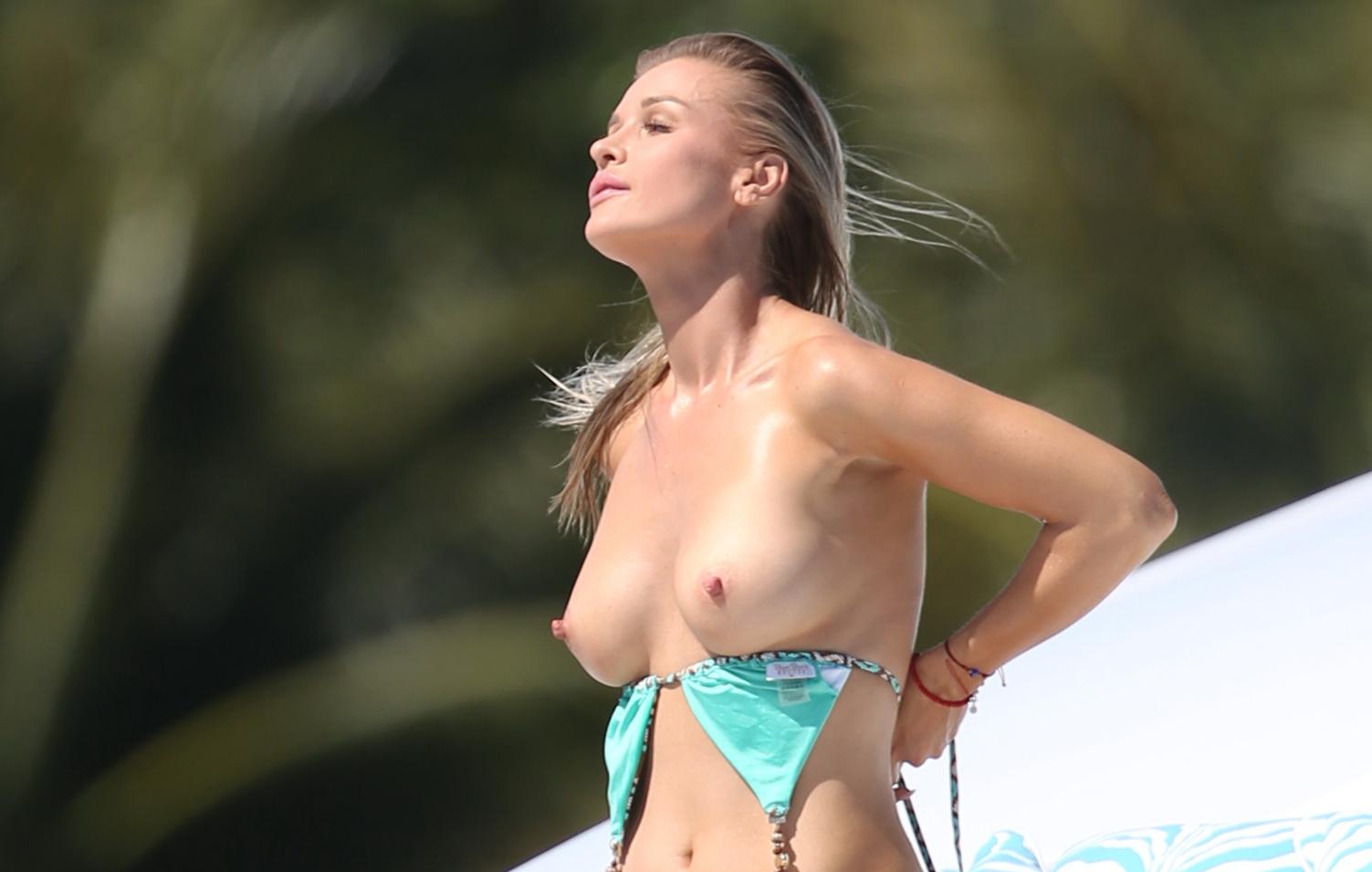 jennifer aniston booty porn