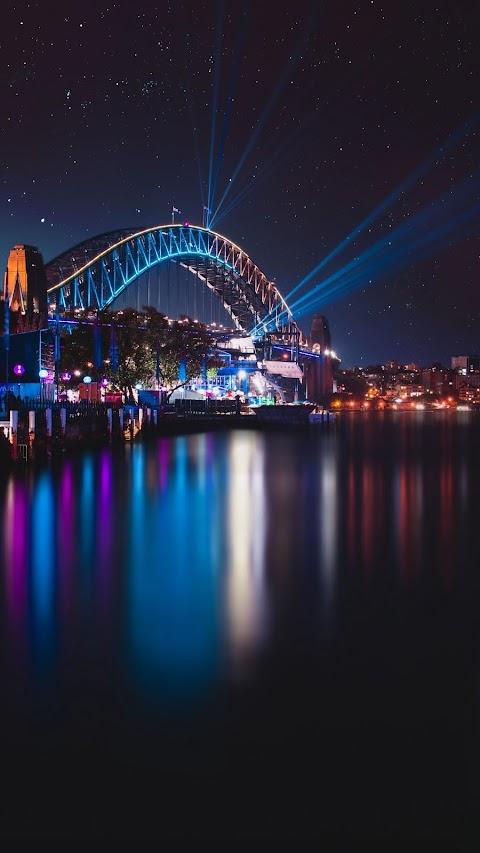 Cây Cầu Hiện Đại Vào Đêm