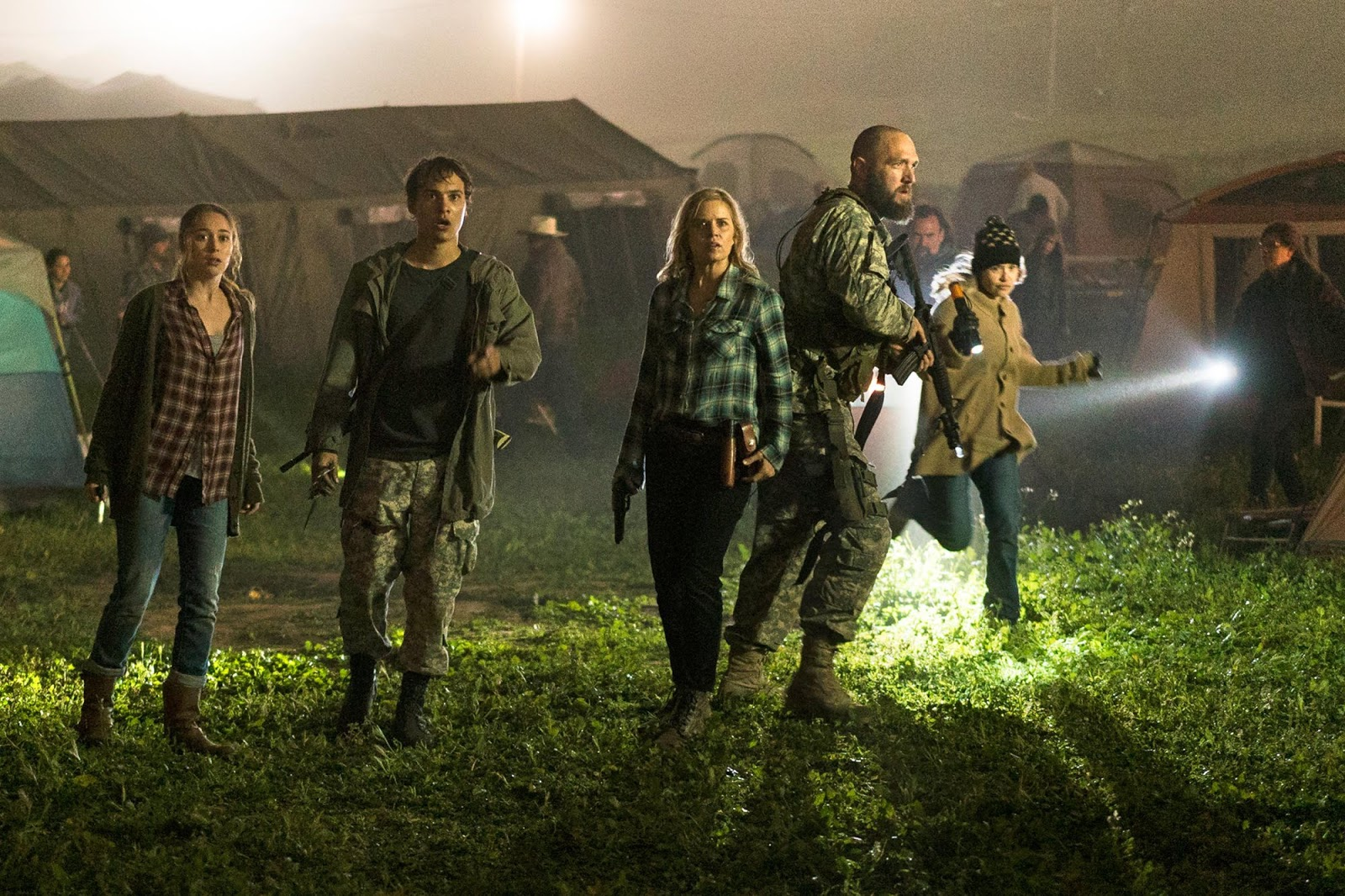 Madison Nick Alicia en la midseason finale de la tercera temporada de Fear The Walking Dead