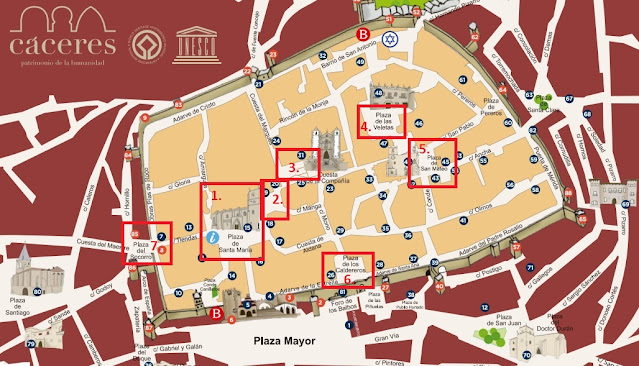 ruta por las plazas históricas de Cáceres