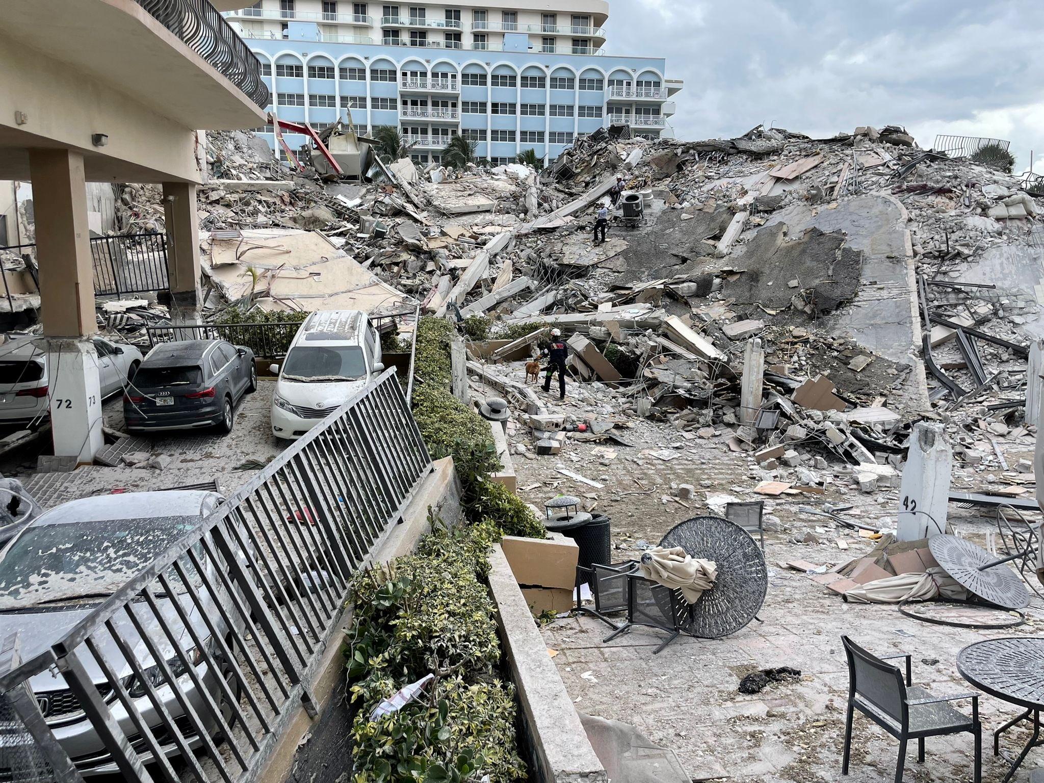 Derrumbe de un edificio en Miami: Hay al menos cuatro argentinos desaparecidos