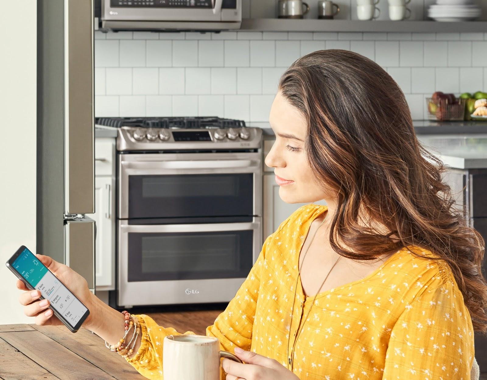 Trabaja en casa sin descuidar tus quehaceres  en el hogar con la aplicación LG ThinQ