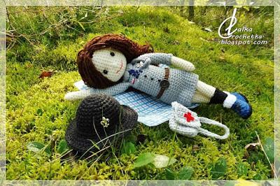 http://lalkacrochetka.blogspot.com/2018/01/doll-girl-scout-zuza-lalka-harceka-zhr.html