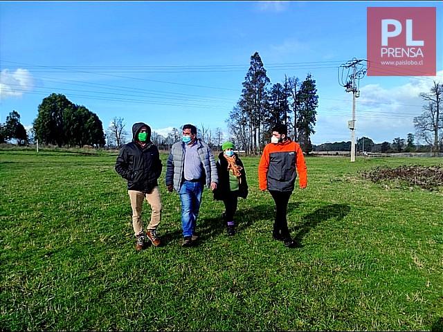 Autoridades regionales en Humedal Urbano Pichi Llay Llay