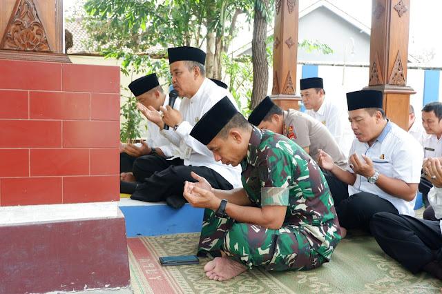 KodimKaranganyar - Ziarah Dalam Rangka Hari Jadi Kabupaten Karanganyar ke 102