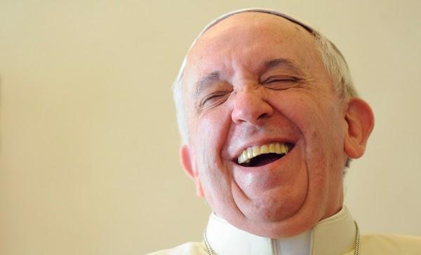 Papa invita a 20 reos a desayunar y dos se fugan.