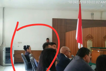 """Warga Teriaki Sukmawati """"Mak Lampir"""" Di PN Bandung, Sidang Pra Peradilan SP3 HRS"""