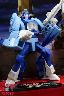 Transformers Studio Series 86 Blurr 02