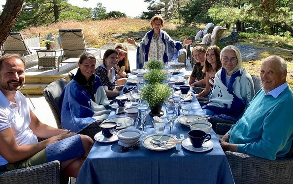 Queen Sonja, Crown Princess Mette-Marit, Princess Ingrid Alexandra, Princess Martha Louise, Maud, Emma and Leah on summer holiday