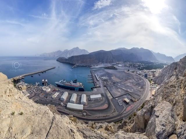 إطلالة على ميناء #خصب و #شاطئ_بصة الجميل في #مسندم