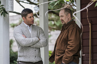 "Jensen Ackles as Dean Winchester and William MacDonald as Abraham Peterson in Supernatural 12x04 ""American Nightmare"""