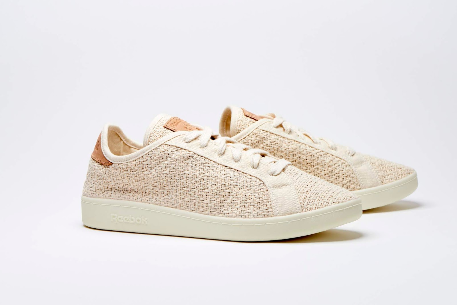 Modelo Beige de zapatillas Reebok Cotton Corn