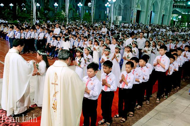 Kiên Lao: Mừng Đại Lễ Thánh Thể 2018