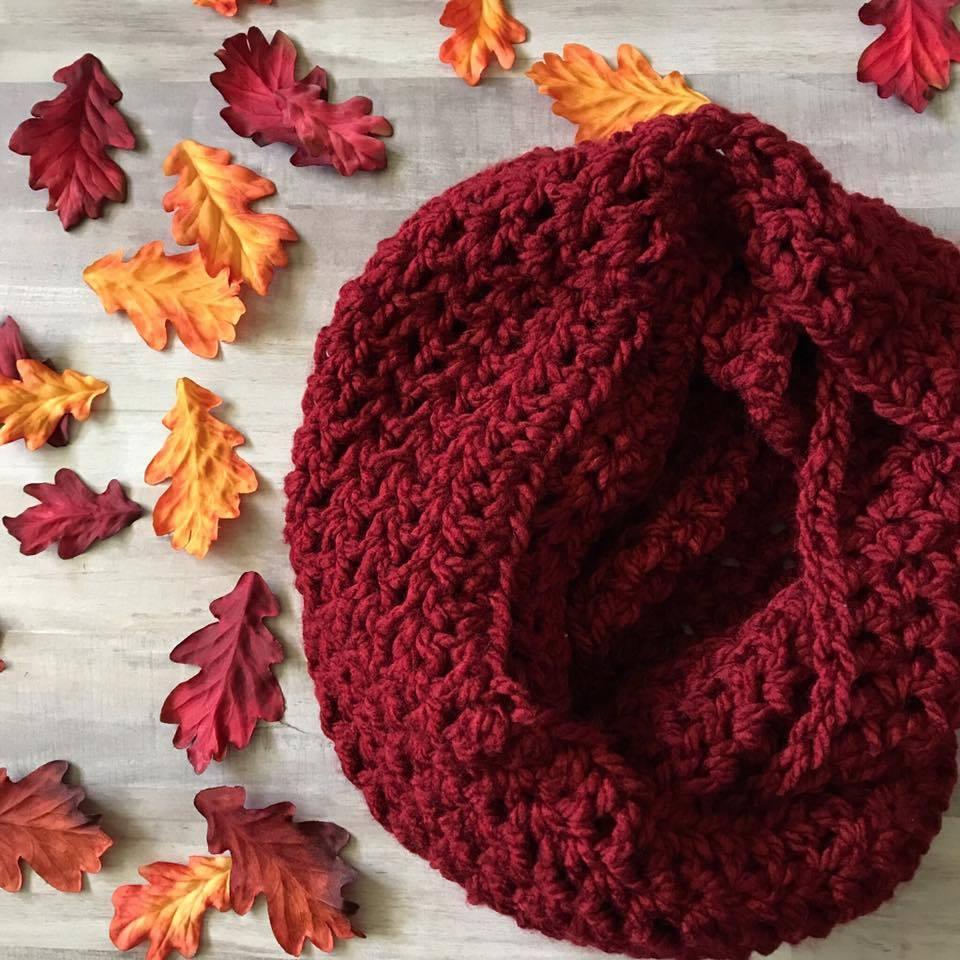 StitchST: Crocheted Scarf {Free Pattern}  |Beginning Crochet Scarf Pattern
