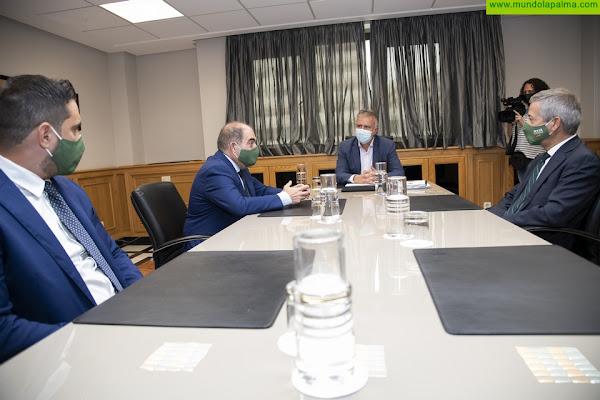 El presidente de Canarias se reúne con los presidentes de la Federación Nacional de Organizaciones de Autónomos y de la Confederación Canaria de Empresarios