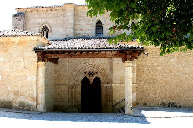 Dónde ver campos de lavanda en España, campos de lavanda en Brihuega, en Guadalajara. Qué ver en Brihuega. Iglesia de Sta. María de la Peña