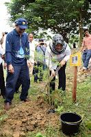 Bupati Bima Gelar Aksi Menamam Pohon di Kawasan Waduk Pelaparado