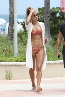 Natalia-Borges-Bikini-Candids-in-Miami-Beach-03+%7E+SexyCelebs.in+Exclusive.jpg