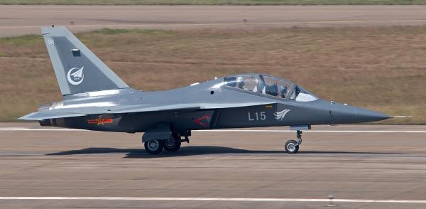 Hongdu L-15, КНР
