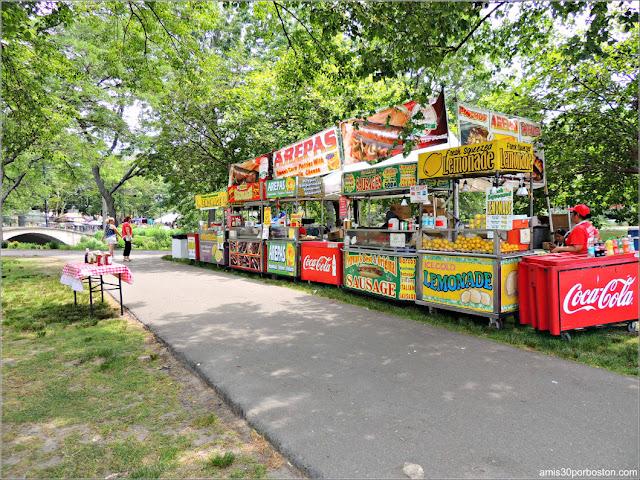 Zona de Comida en la Esplanade de Boston durante el 4 de Julio