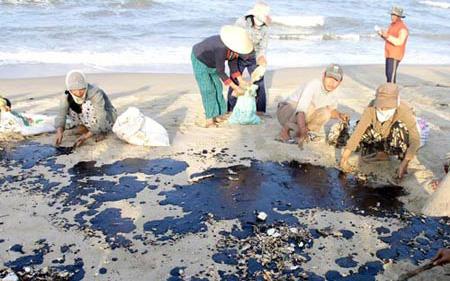 Các sự cố tràn dầu gây nhiều tác động tiêu cực tới môi trường biển